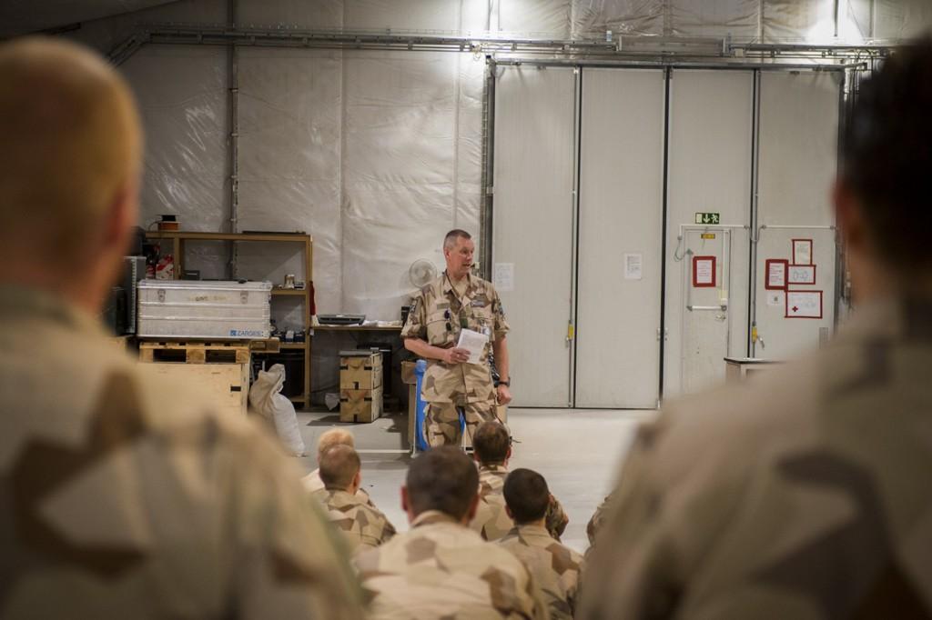 Brigadgeneral Stefan Andersson, armétaktisk chef besökte i veckan Afghanistan och passade på att ha en personalsamling på Birka. Under veckan besöktes även medarbetarna i Kabul. Foto: Carl Mårtensson/Försvarsmakten