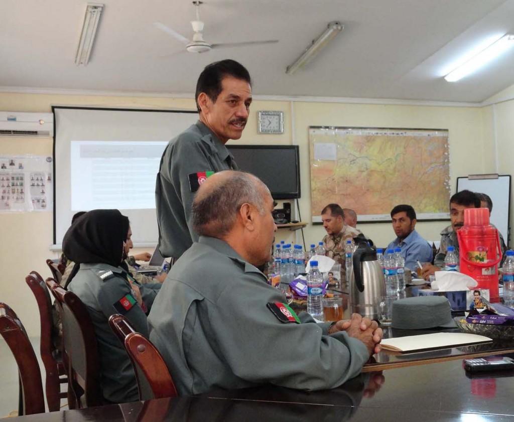 Representant från STC, Sergeant Training Command, som talade om utbildningen av poliser. Foto: Försvarsmakten