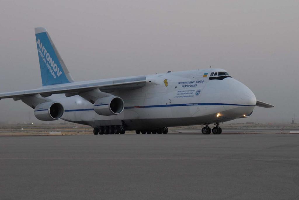 AN 124 påväg in till Marmals flygplats. Foto: Ida-Maria Martinsson/Försvarsmakten