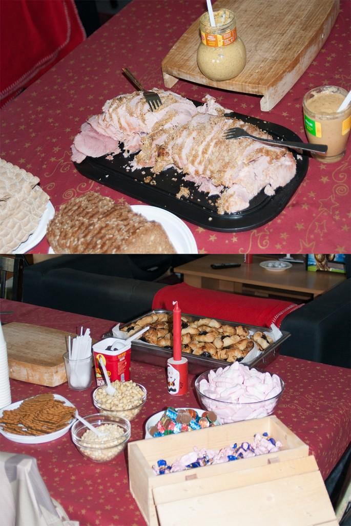 Griljerad skinka, hembakta julstjärnor, saftglögg, pepparkakor, skumtomtar, ischoklad och fazergodis. Det lilla julbordet bjöd på det viktigaste! Foto: Försvarsmakten/Carin Bergensten