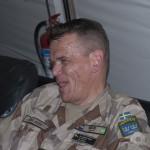 Sällan har man sett chefen så glad! Foto: Försvarsmakten/Carin Bergensten