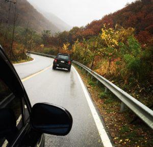 På väg mot DMZ i det höstlika landskapet. (foto NNSC)