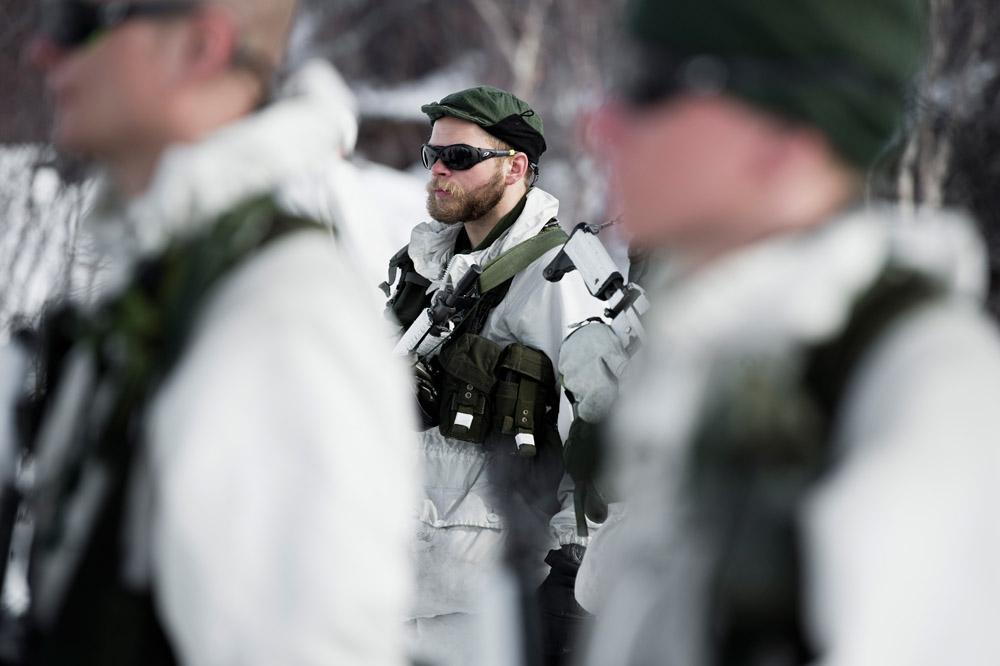 Blivande jägarsoldater och förstärkningssoldater från AJB under utbildning i fjällmiljö.