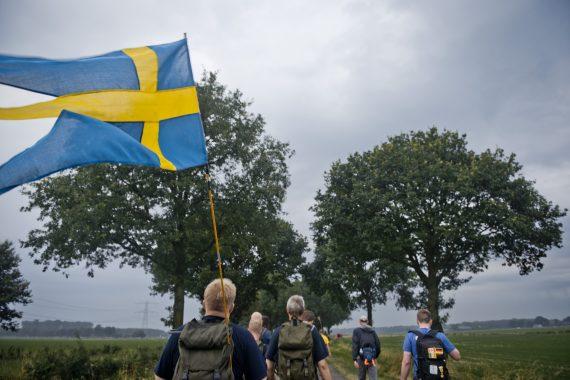 Första ubåtsflottiljen hade med en grupp som bar sin flagga stadigt under början på stormen.