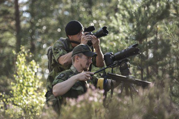 Combat Camera arbetar både enskilt och i stridspar när de är ute på jobb.