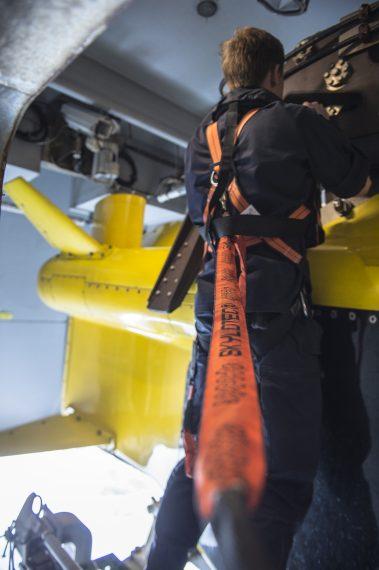 Förberedelser inför övning ubåtsjakt.
