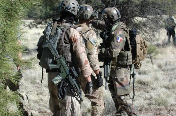 Tre nationaliteter i samverkan - Sverige, USA och Frankrike
