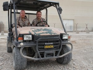 QM SAE UH-60 Janne och QM SAE MEDEVAC Marcus i farten.