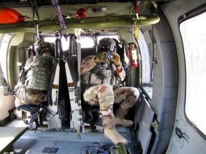Besättningen består av fyra personer. Förutom piloterna en tekniker och en uppdragsspecialist. I en Medevachelikopter tillkommer läkare och sjuksköterska.