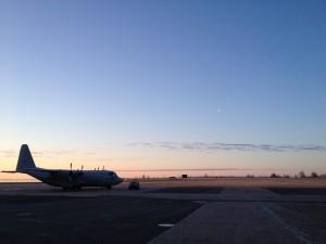 Tidig morgon -Karlsborgs flygplats strax innan start.