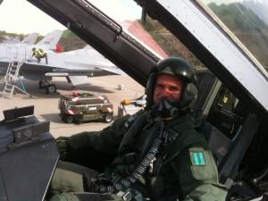 Jag i en F-16 baksits.