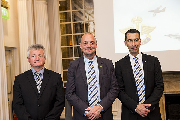 Brigadgeneral Albert Sáfár, ungersk flygvapenchef, Mats Gyllander, ordförande SAFF och Micael Bydén, svensk flygvapenchef och värd för SAFF. Foto: Per Kustvik/Saab.