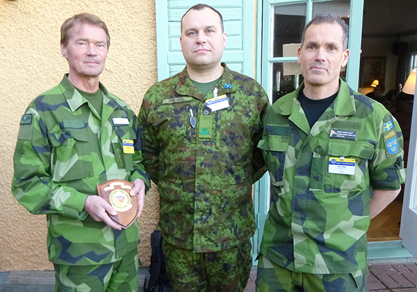Överste Olof Ljung från FHS, major Arbo Probal från Estland och brigadgeneral Gabor Nagy