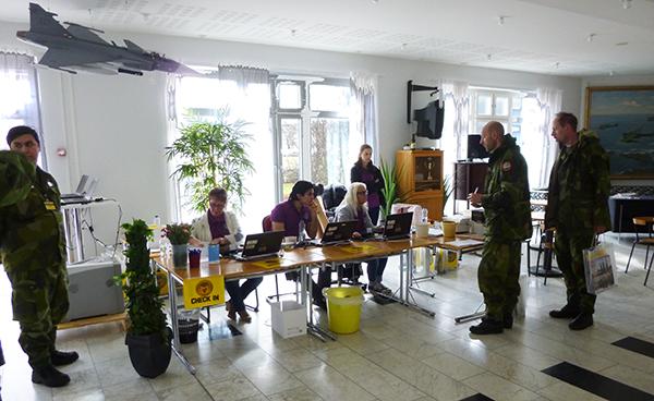 Pågående incheckning vis servicedesken för CJSE-15 i Uppsala.