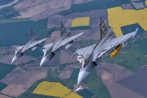 Bild 1 Tre olika Gripar Photo CZ Airforce (1)