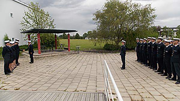 Den 17 juni befordrades kadetter vid Luftstridsskolan med ytterligare en vinkel på sin gradbetäckning.
