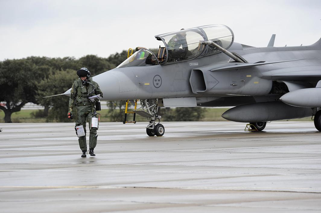 tj15_pilot_efter_första_landning-75px