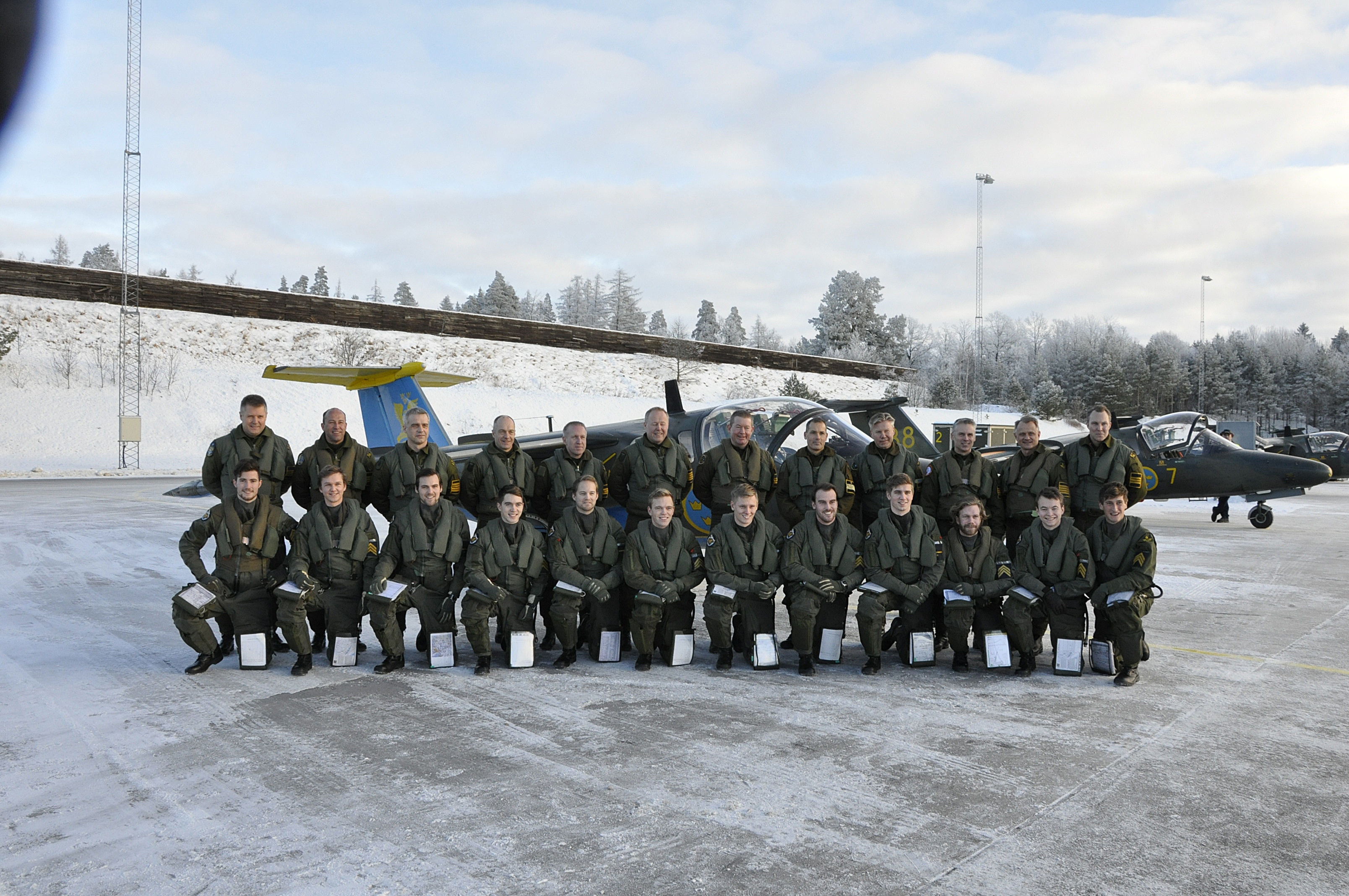 GFU 151 med inspekterande strax innan examensflygning.