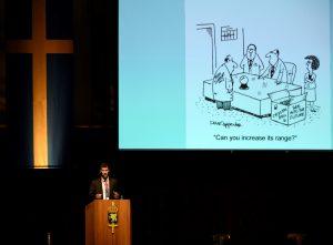Ddoktor Peter Singer från New America Foundation försökte se in i framtiden.