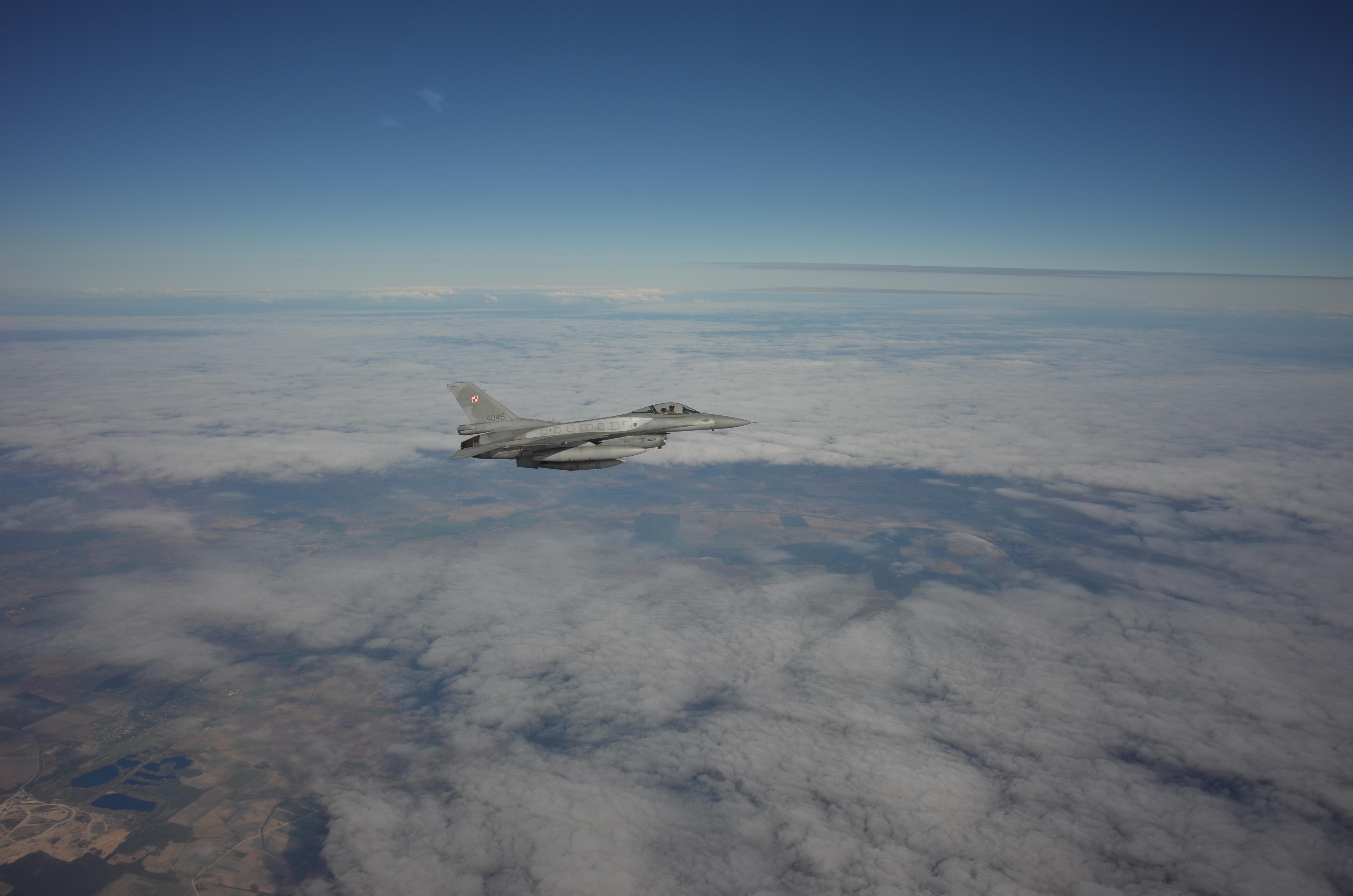 Polsk F-16
