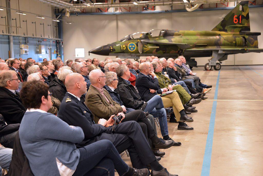 300 gäster samlades för att lyssna på berättelserna om Viggen och dess påverkan på flottiljen och Sveriges försvar. Foto: Håkan Brandt / Försvarsmakten