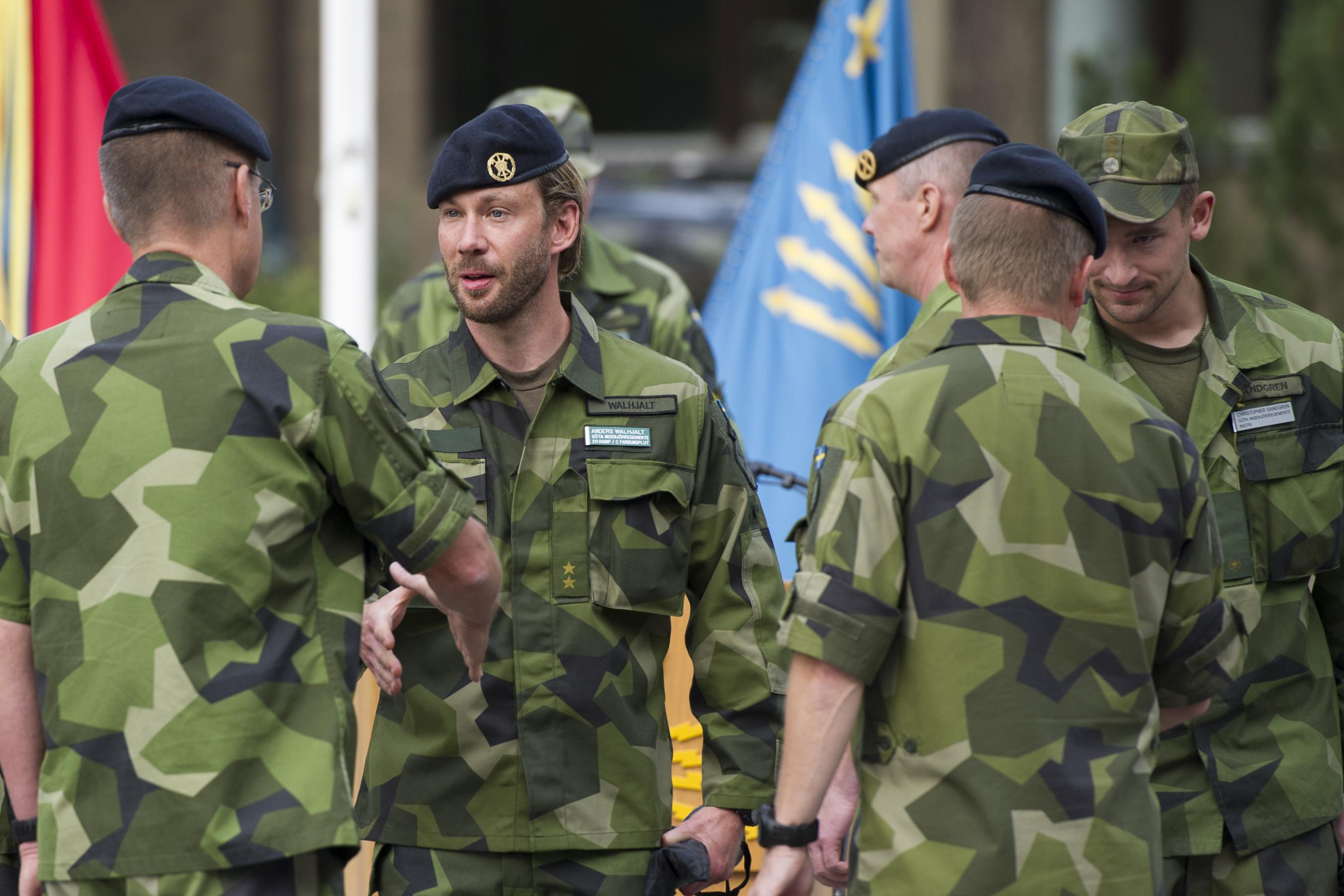 Svenskt stod till avrustade soldater