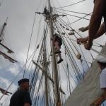 Besättningen övar nedtagning av skadad från rigg