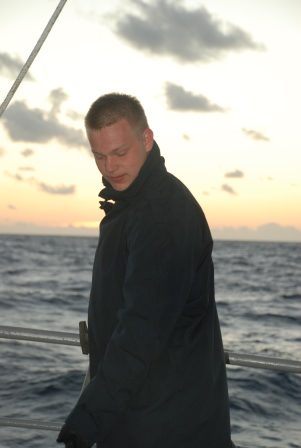 Elev Lindblad har morgonrengöring.