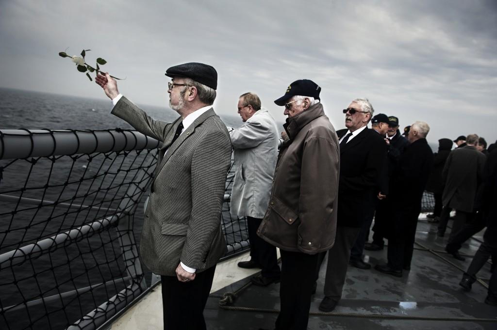 Försvarsmaktens minnesceremoni 2013 vid förlisningsplatsen  för HMS Ulven. Foto: Johan Lundal/Combat Camera