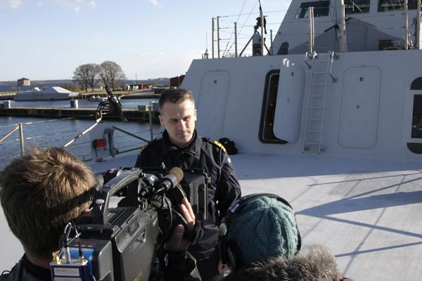 Divisionschef Jon Wikingsson intervjuas.