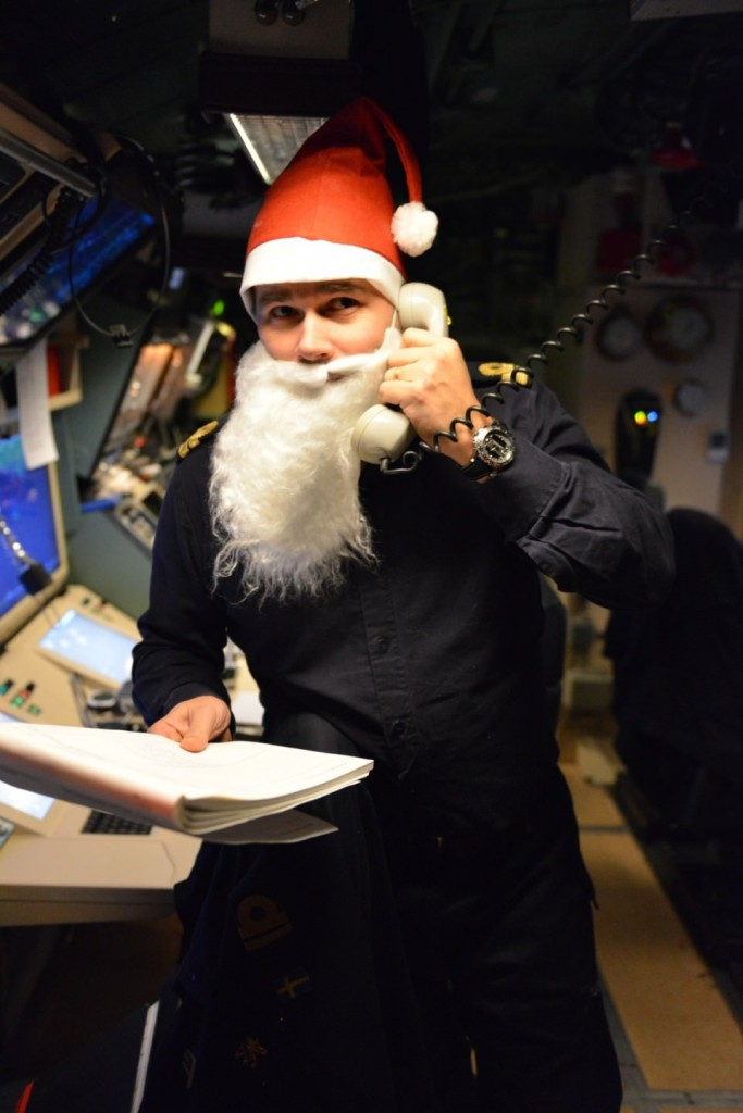 Ubåtens sekond leder verksamheten (foto: A Sannerman/1.ubflj)