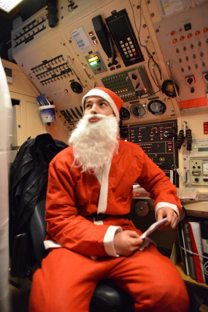 Julstämning i maskin ombord ubåten Södermanland (foto: A Sannerman/1.ubflj)