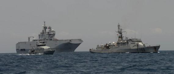 Del av fartygsstyrkan på väg på Benin efter avslutad antipiratövning i Guineabukten