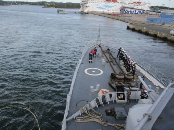 Losskastning från Karlskrona.