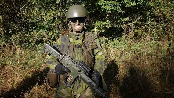 En glad soldat, Foto Desirée Dahl